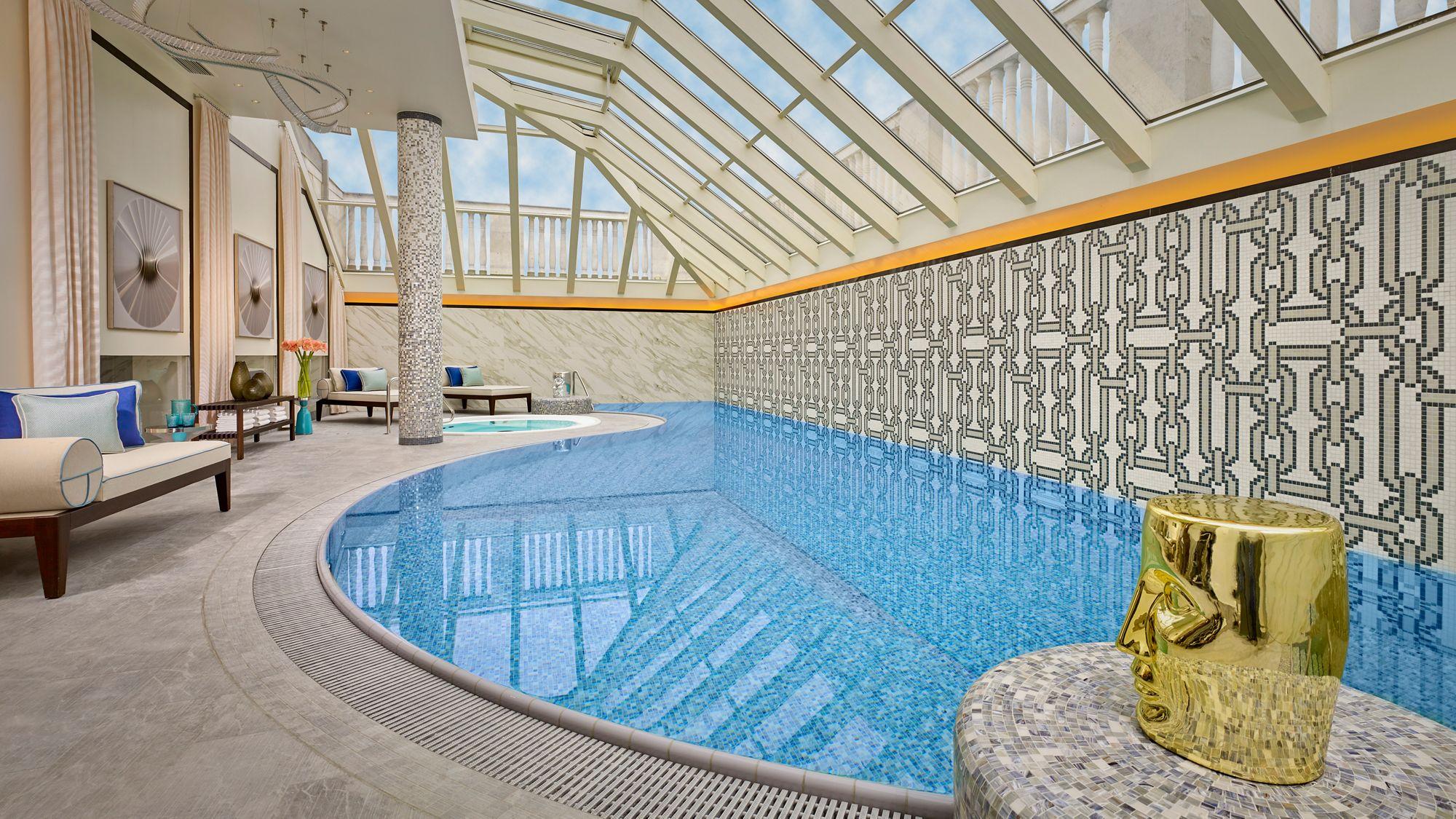 Ritz Carlton Budapest swimming pool